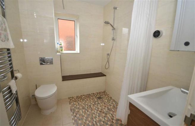 Tiled Shower Room & Wc