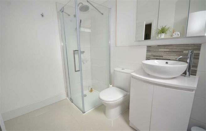 Superb Bath/Shower Room