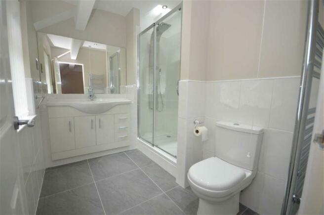 Refitted En-Suite
