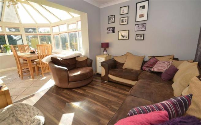 Open Plan Dining/Sitting Room & Conservatory