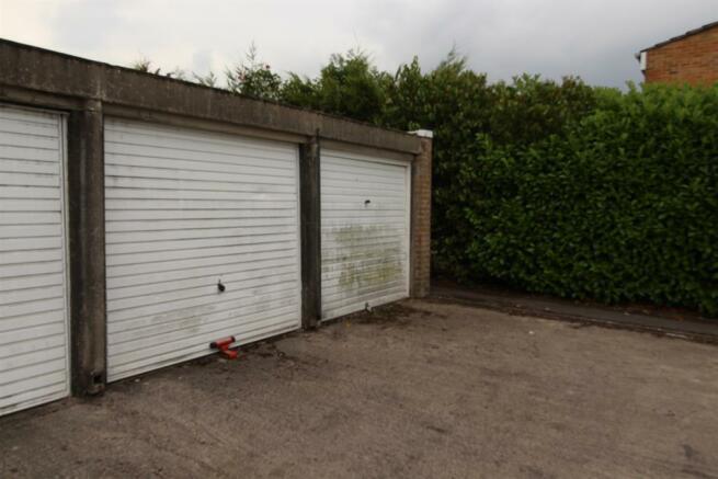 Garage located in a block