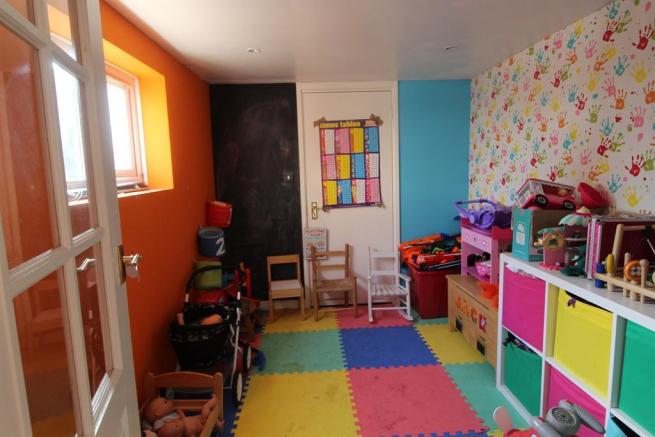 Play room/garage