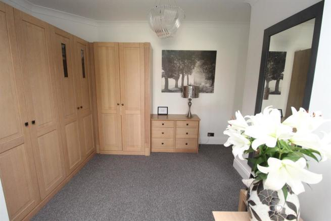 Dressing area to Master Bedroom