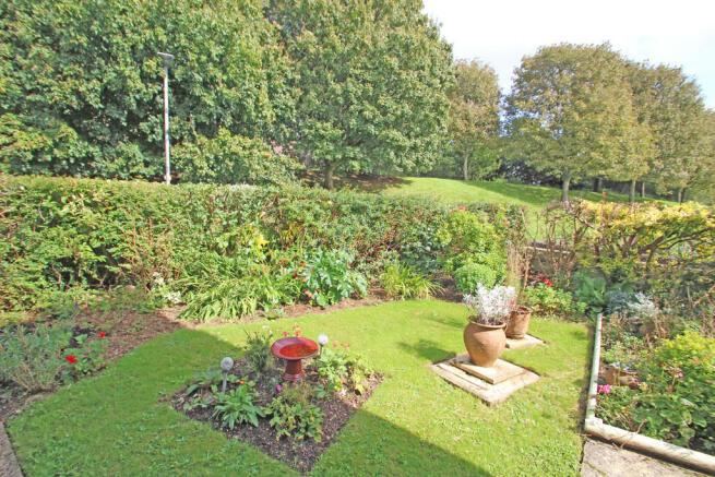 Front Garden 2