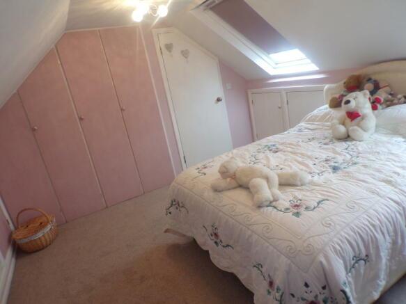 Bedroom 3 ( Loft Conversion)