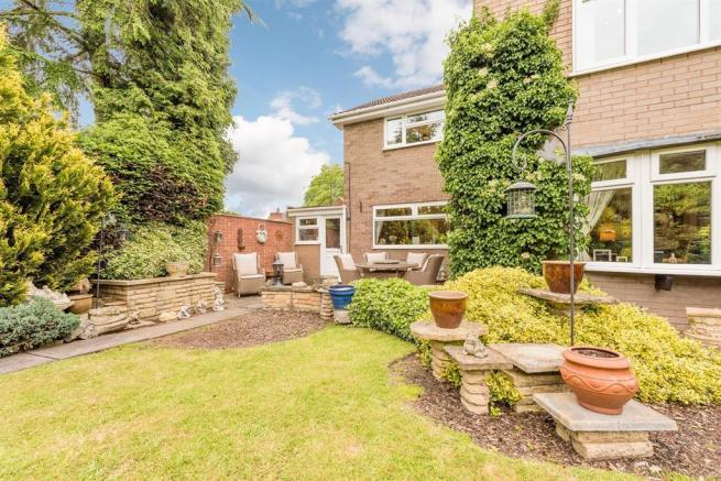 4 Bedroom Detached House For Sale In Cheltenham Drive