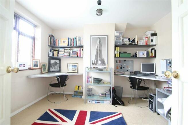 Study (bedroom 5)