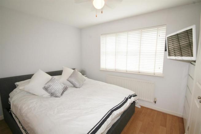 GG Bedroom One (2).jpg