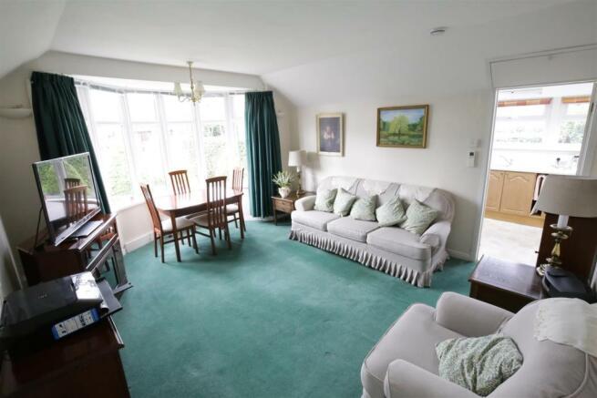 Annexe/Living Room