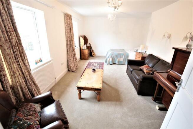 Bedroom 3/ Second sitting room