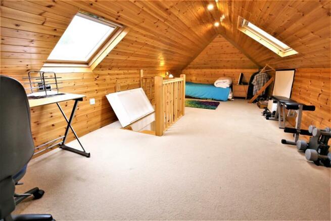 Second Attick Room/Bedroom