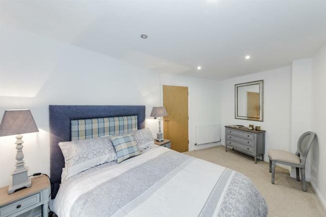 Show Flat Bedroom 2.