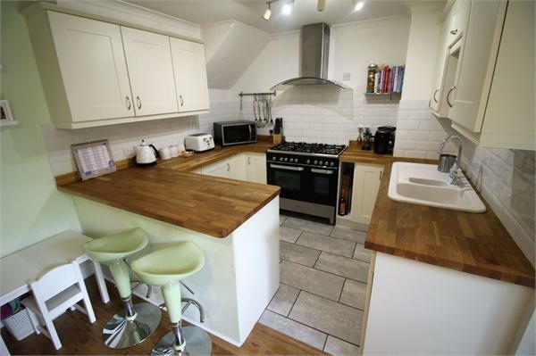 Refitted Kitchen/ D