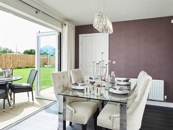 Additional dining area with bi-fold doors to outside