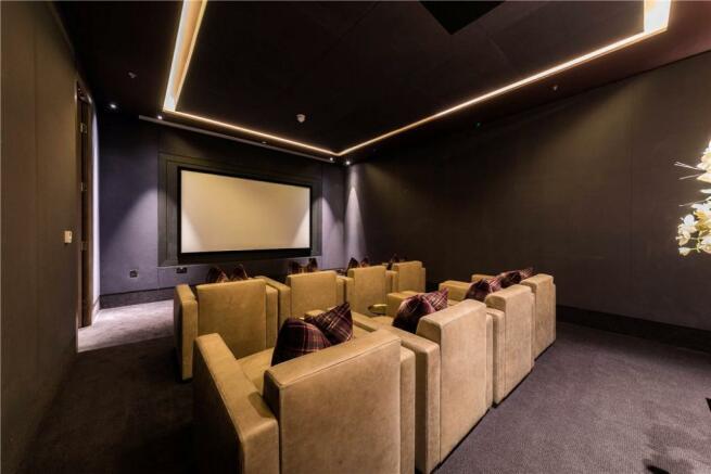 Ec2y: Cinema Room