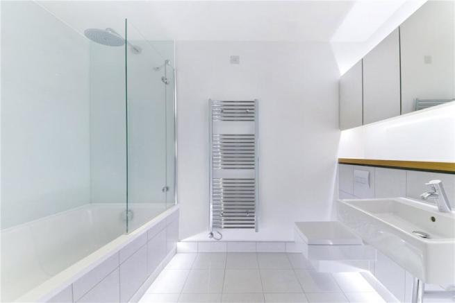 Ec2a: Bathroom
