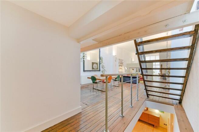 E1: Staircase