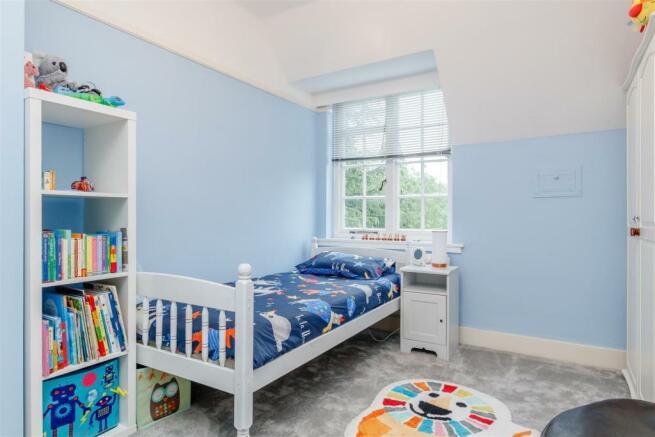 8386332-interior24.jpg