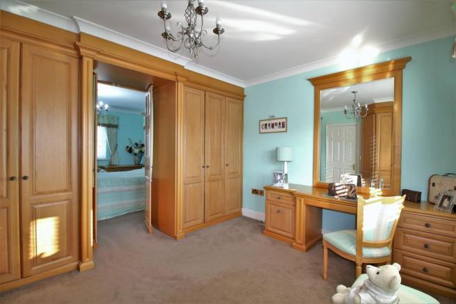 Dressing Room/ Bed 2