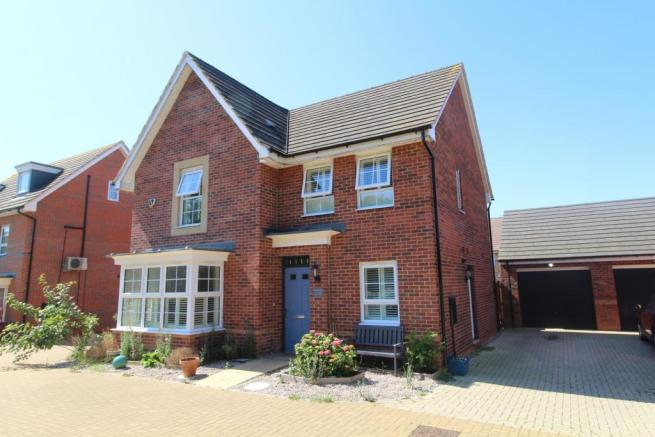 4 bedroom detached house for sale in Claudius Way, Milton ...