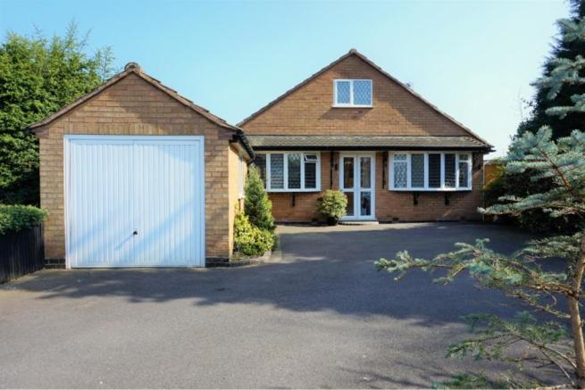 4 Bedroom Detached House For Sale In Compton Close Solihull B91 B91