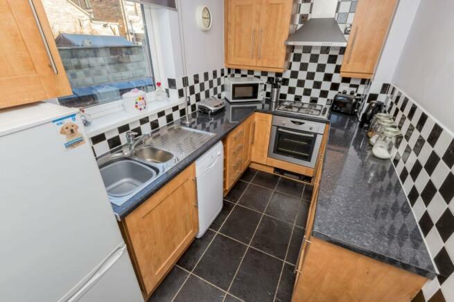 2 bedroom end of terrace house for sale in Harrop Street