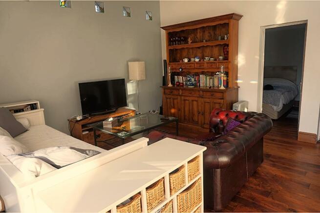 Apartment Living Rm