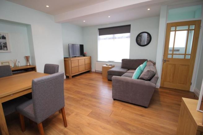 2 Bedroom Terraced House For Sale In Bluehouse Road Chingford E4 E4