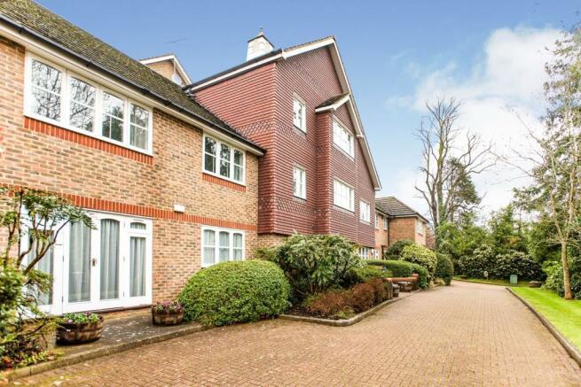 2 bedroom apartment for sale in 552 Uxbridge Road, Pinner ...
