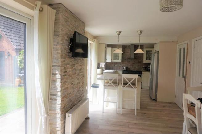 4 bedroom detached house for sale in Redpoll Grove