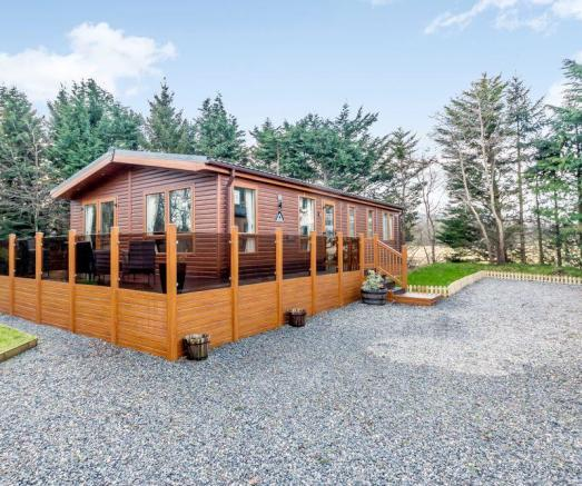 3 Bedroom Lodge For Sale In The Orchard, Dunning Road