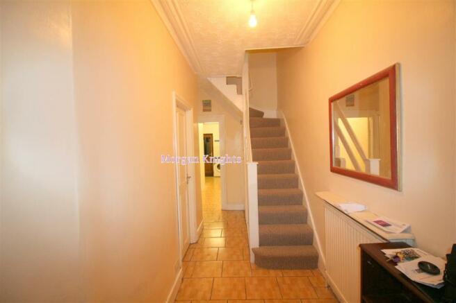Entrance/Hallway:
