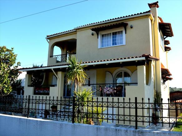 1 - For sale3-storey house of 286  sq.meters in Attica.