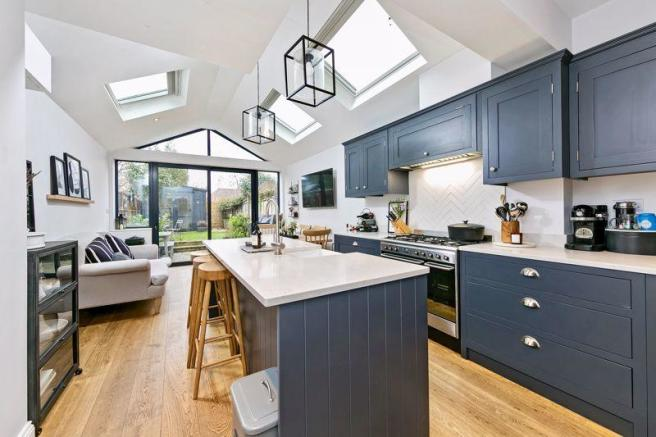 Kitchen / Livi...