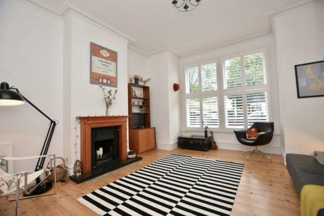 Living Room (v...