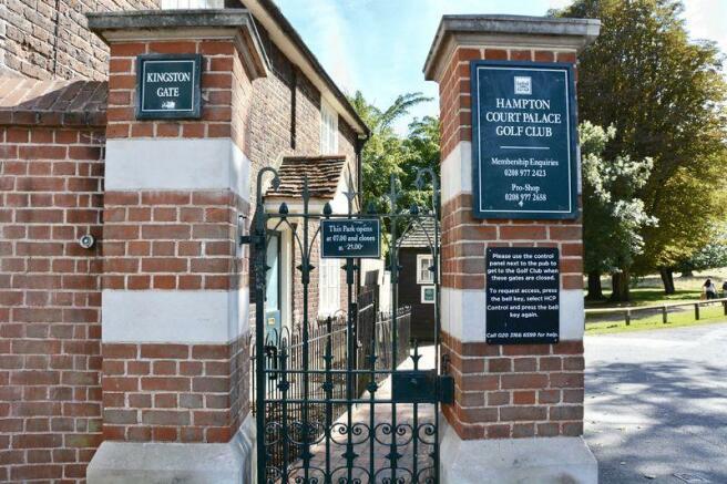 Kingston Gate ...