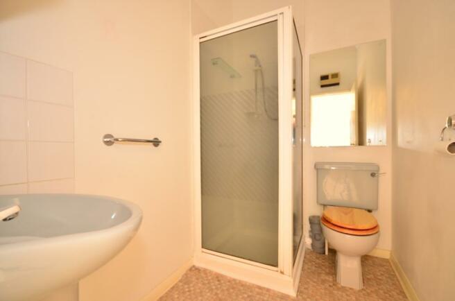 shower room for f...