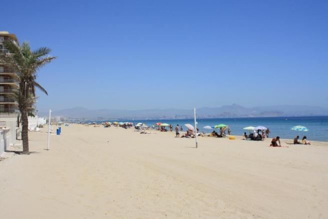 Stranden i Los Arenales del Sol