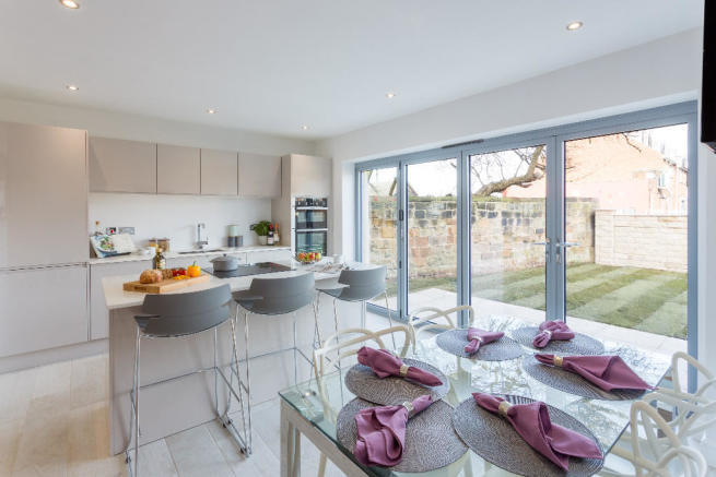 Kitchen/ bi folds