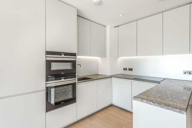 (8) Kitchen 1.jpg