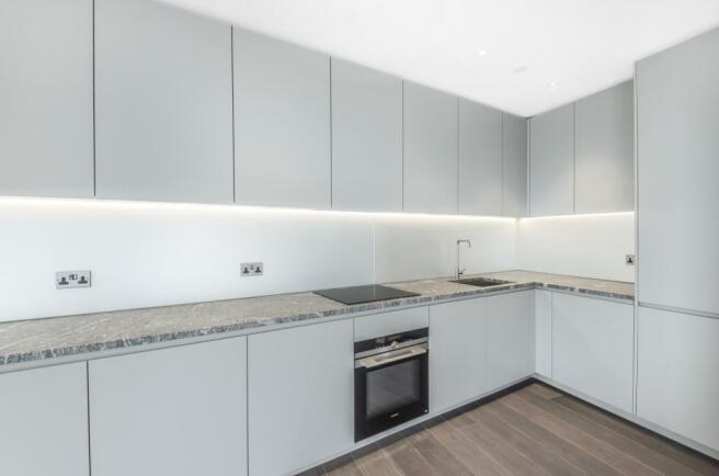 4) Kitchen 1.jpg