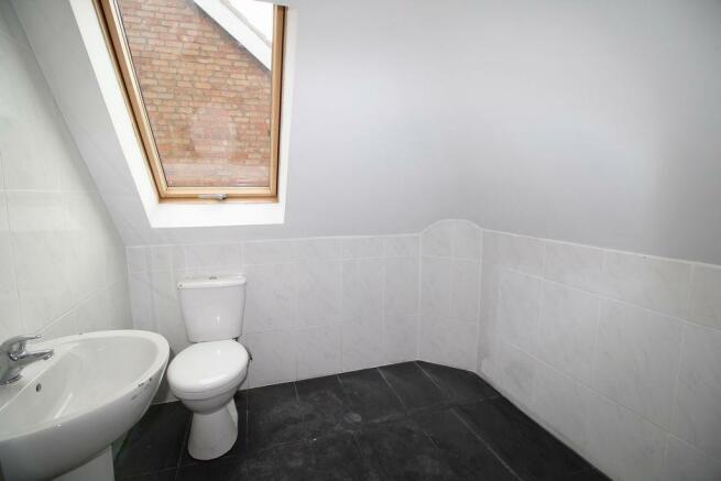Upstaris toilet/Sink