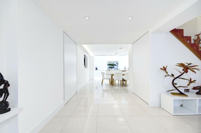 Kitchen / Reception