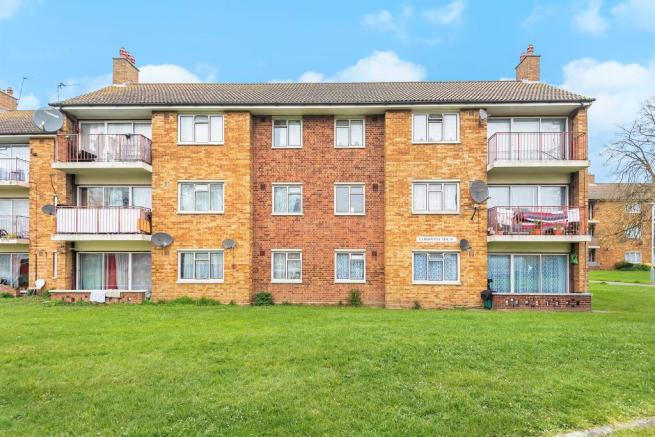4f5e9dc4bf65d 2 bedroom flat for sale in Bourne Avenue, Hayes, UB3