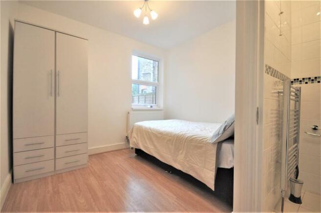 Brixton Road 27 room 1 03.JPG