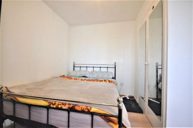 Southwold Road 74b bedroom 01.JPG