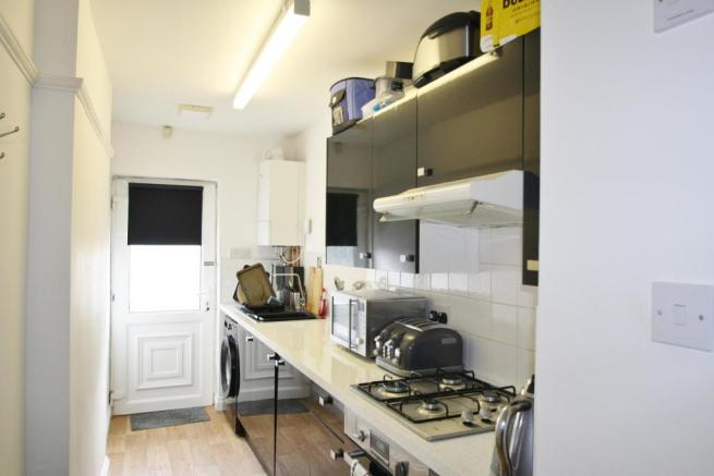 Kitchen-1-bed-flat-WoodfordAvenue-Plymouth