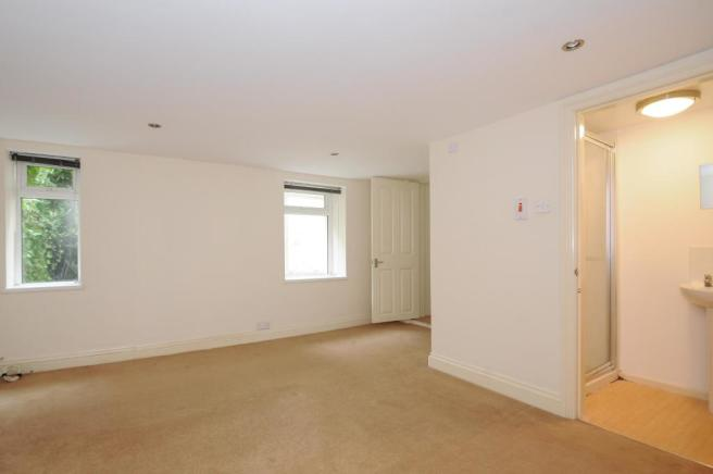 MasterBedroom-2-bed-flat-MannameadRoad-Plymouth