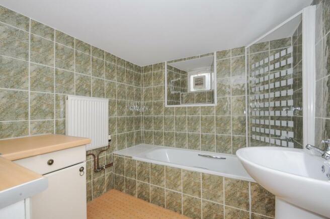 Bathroom-2-bed-flat-MannameadRoad-Plymouth