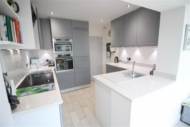 Kitchen Further Image